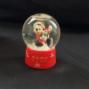 Disney snow globe mini